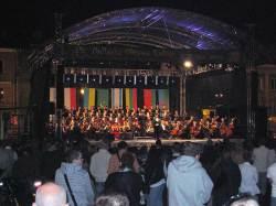 Den mest kjente satsen fra Beethovens 9. symfoni ble fremført på esperanto på bytorget.