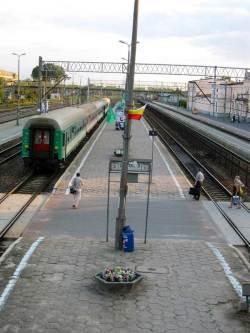 Białystok jernbanestasjon. Jardar er på vei for å ta mimrebilde. Det viste seg etterhvert at det trolig var brua på den andre kanten Jardar hadde benyttet i 1993.